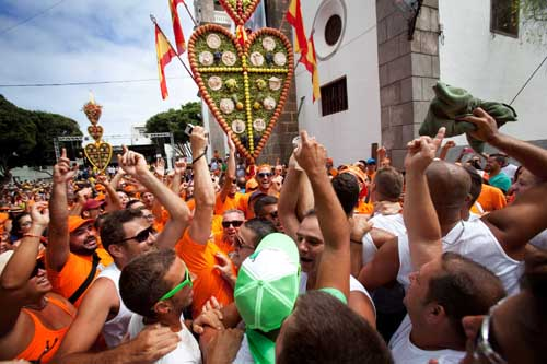 SPAIN-TRADITION-HEART